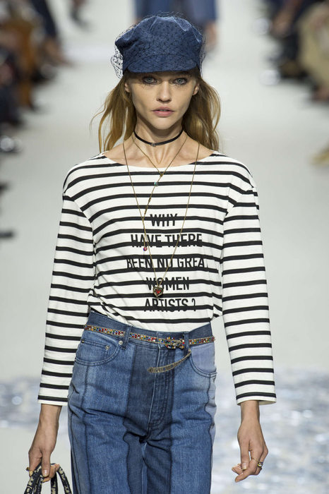 Dior T-shirt Slogan