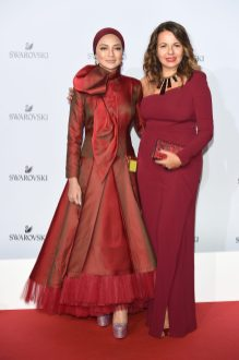 MILAN, ITALY - SEPTEMBER 20: Noor Neelofa Mohd Noor and Nathalie Colin attend Swarovski Crystal Wonderland Party on September 20, 2017 in Milan, Italy. (Photo by Stefania M. D'Alessandro/Getty Images for Swarovski) *** Local Caption *** Noor Neelofa Mohd Noor; Nathalie Colin