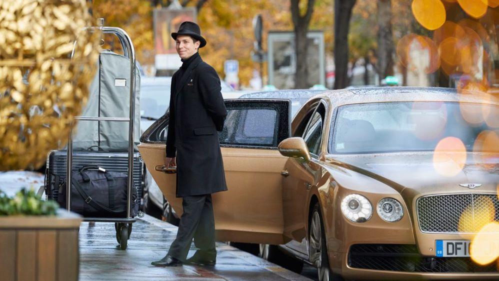 Quand le symbole du luxe britannique Bentley rencontre l'élégante Maison de Luxe parisienne: le Prince de Galles
