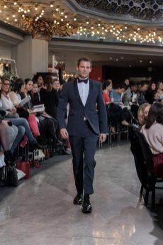 Look 34 - Costume Armani au PRINTEMPS 1695€