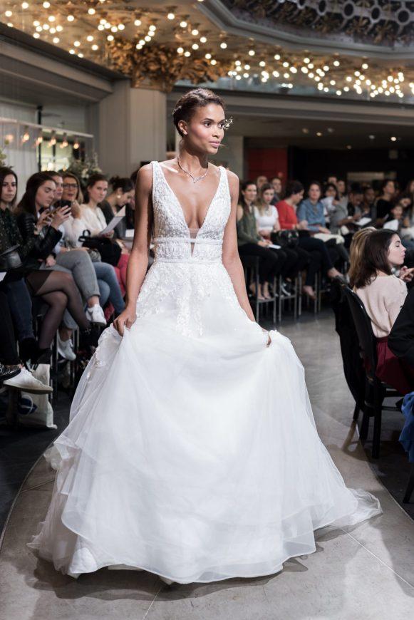 Look 47 - Loïse, Alessandra Rinaudo 6870€ au PRINTEMPS MARIAGE