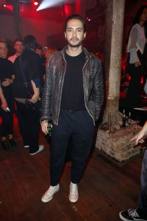 BERLIN, GERMANY - OCTOBER 11: Tom Kaulitz of Tokio Hotel attends the Moncler X Stylebop.com launch event at the Musikbrauerei on October 11, 2017 in Berlin, Germany. (Photo by Sebastian Reuter/Getty Images for Moncler X Stylebop.com) *** Local Caption *** Tom Kaulitz