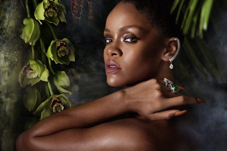 Rihanna straightening the pose wearing RIHANNA ♥ CHOPARD 1 (2)