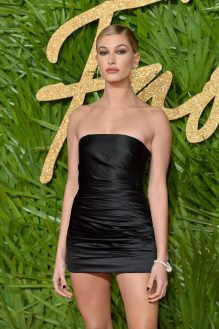 LONDON, ENGLAND - DECEMBER 04: Hailey Baldwin attends The Fashion Awards 2017 in partnership with Swarovski at Royal Albert Hall on December 4, 2017 in London, England. (Photo by Jeff Spicer/BFC/Getty Images)