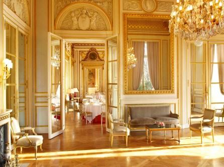 hotel-de-crillon-reception-room