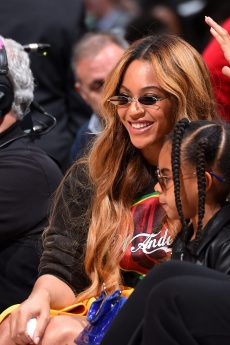 LOS ANGELES, CA - FEBRUARY 18: Beyonce enjoys the NBA All-Star Game as a part of 2018 NBA All-Star Weekend at STAPLES Center on February 18, 2018 in Los Angeles, California. NOTE TO USER: User expressly acknowledges and agrees that, by downloading and/or using this photograph, user is consenting to the terms and conditions of the Getty Images License Agreement. Mandatory Copyright Notice: Copyright 2018 NBAE (Photo by Andrew D. Bernstein/NBAE via Getty Images)