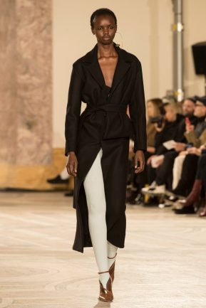Look 53 JACQUEMUS FW18 A