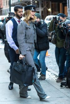 Rosie Huntington-Whiteley carrying the Burberry Belt Bag in New York, 12 February 2018