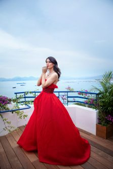 Catrinel Marlon featuring the Red Carpet Collection (1)