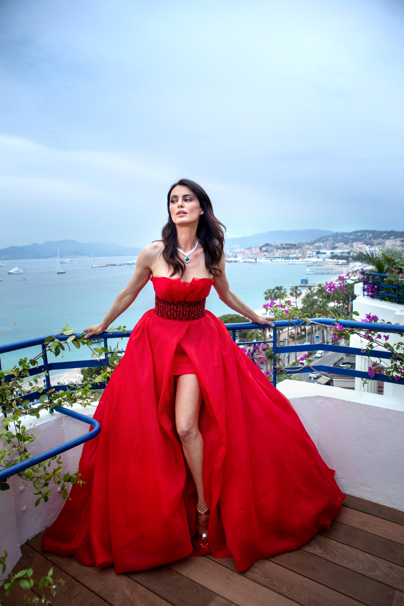 Catrinel Marlon featuring the Red Carpet Collection (2)