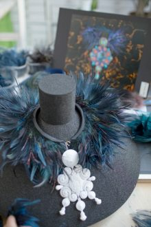 Making of - Feather Necklace from the Red Carpet Collection (20)