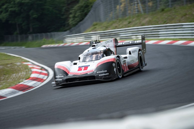 Best time on the NÅrburgring-Nordschleife Timo Bernhard beats 6-minute mark (4)