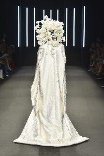 094_Kristy-Sparow_Yumi-Katsura_Haute-Couture-FW18-19