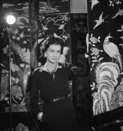 Coco Chanel (1883-1971), couturière française. Paris, 1937.
