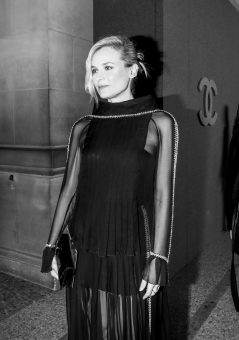 36_Diane_KRUGER_at_the_Paris_New_York_Metiers_dArt_Show