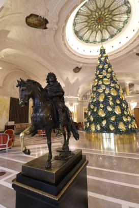 HP-Lobby-Chopard-Christmas-Tree-2018-0007
