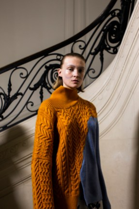 Christian_Wijnants_AW19_Backstage_Images_Lennert_Maddou_57