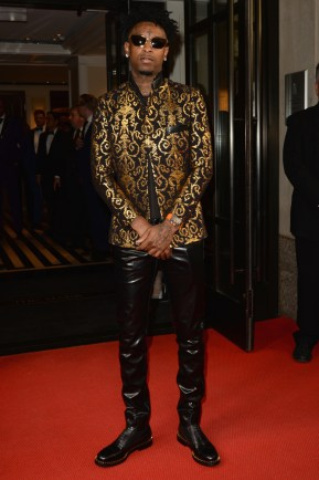NEW YORK, NEW YORK - MAY 06: 21 Savage departs The Mark Hotel for the 2019 'Camp: Notes on Fashion' Met Gala on May 06, 2019 in New York City. (Photo by Andrew Toth/Getty Images for The Mark Hotel)