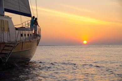 Anantara Kihavah - Ocean Whisperer Yacht Sunset