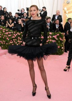 NEW YORK, NEW YORK - MAY 06: Anja Rubik attends The 2019 Met Gala Celebrating Camp: Notes on Fashion at Metropolitan Museum of Art on May 06, 2019 in New York City. (Photo by Neilson Barnard/Getty Images)