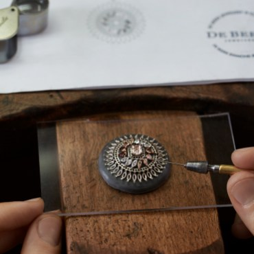 Greater-Flamingo-Making-of-medallion