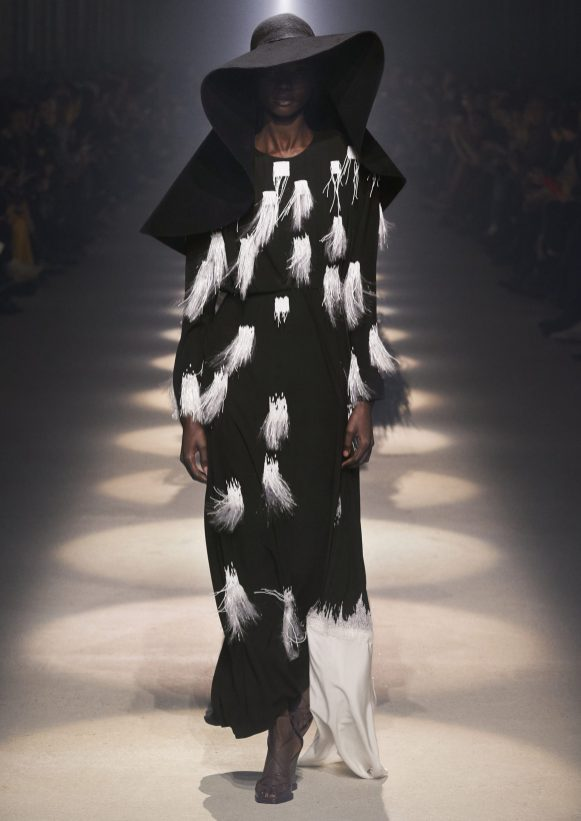 GIVENCHY_WOMEN_RTW_FW20_A4_46_HD
