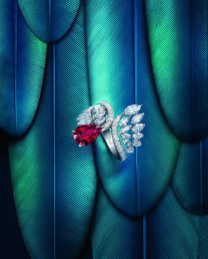 Piaget_Wings of Light_G34M9300_lifestyle