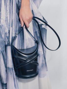 Alexander McQueen SS21 Black Curve Bag (shot by Chloe Le Drezen)