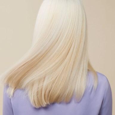 Blond Revival mannequin 2