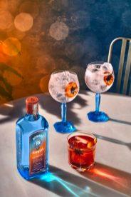 F21_Bombay_Sunset_Tonic_2Serve__Negroni_Patio_Table_Lifestyle