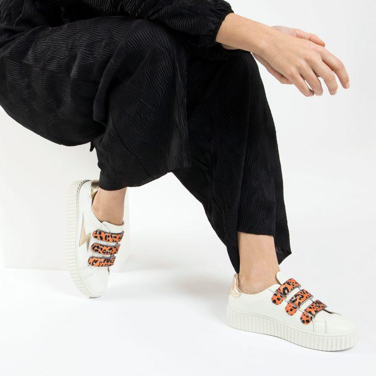 Flash leather sneakers + orange leopard velcro.porté