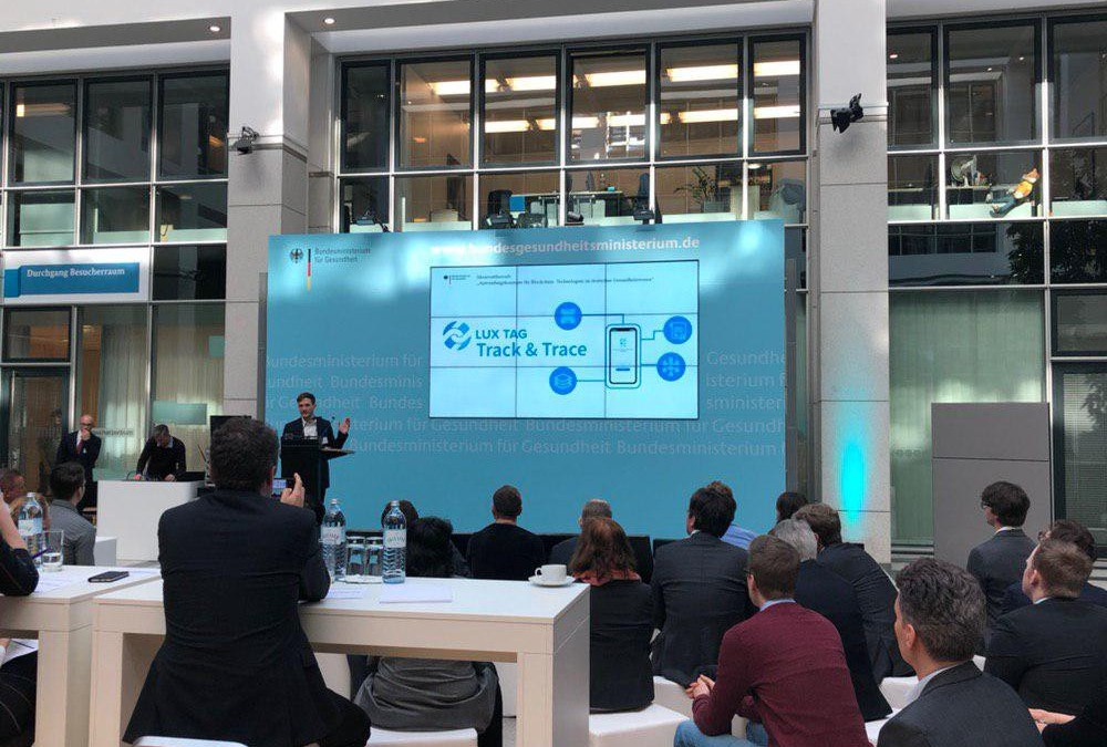 LuxTag pitches at the German Ministry of Health's competition
