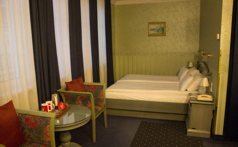 Arkadenhof Hotel Room