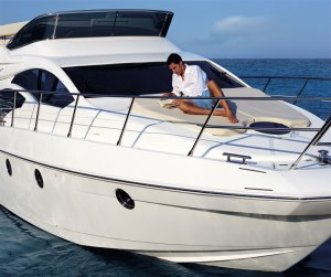 Azimut 45 - The latest model in the Flybridge range from Azimut Yachts