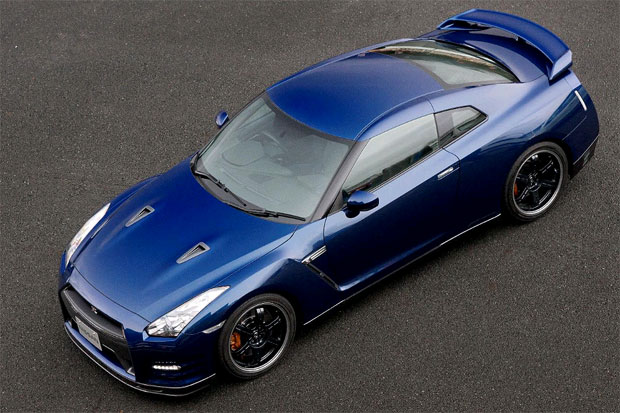 The 2012 Nissan GTR Track Pack gives a 0-60 time of only 2.7 seconds
