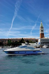 Azimut 45 is a large boat; it has more space and volume available than its competition
