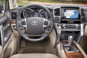 The amazing Multi-terrain Monitor on the 2012 Land Cruiser V8