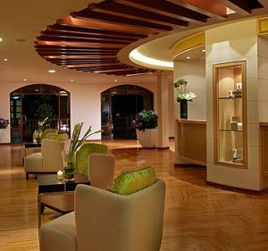 The employees at La Santé spa, from the spa receptionists, to the therapists, to the spa director are all extraordinary.