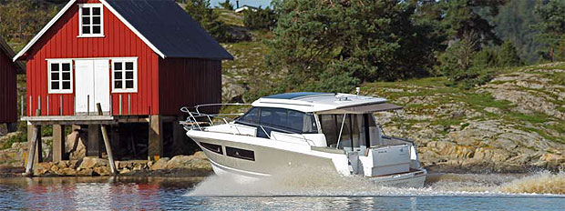 Jeanneau NC9 named Craotian Boat of the Year in the category from 30 to 40 feet.