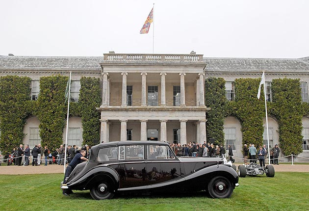 The Queens Diamond Jubilee to be celebrated in unique style at the Cartier 'Style et Luxe' Goodwood.