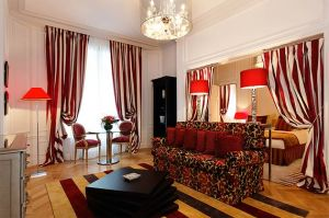 Villa & Hotel Majestic-Spa has modern suites and is located near the Eiffel Tower. Spa-goers can enjoy a private Turkish Hammam bath or a Polynesian massage at the hotel's 4,800 square-foot Majclub luxury spa.