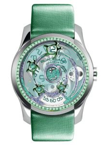The distinctive aura of the Sea Turtle Emerald also lies in its elegantly staged dial featuring a clever metal cut-out design and subtly integrated tsavorites, emeralds and precious gemstone powder. A creation for elegant and modern women, firmly rooted in the nobility of legitimate causes.