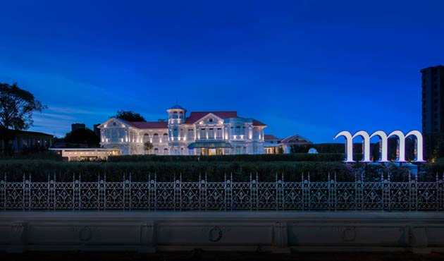 As glamorous and pristine white as it shines in the sun by day, by night with the help of clever lighting and sheer grandeur it can certainly take your breath away. Authentic, quirky, stylish and sophisticated, Macalister Mansion is the first addition to Design Hotels collection in Malaysia