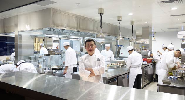 Reena Patel Feasts on 15-Courses of Fine Culinary Cantonese Fayre at HKK