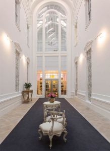"""Late last year saw the full opening of Grace Belgravia in West London, a female-only private member's club that provides a range of health and lifestyle services to """"spirited, sophisticated and health-conscious women"""". Located within a Grade II-listed building, the club contains a health spa, restaurant, boutique, nutrition service and bar. Members have access to all of these facilities including medical care from the Queen's doctor and exercise sessions with Matt Roberts, the personal trainer of Prime Minister David Cameron's wife Samantha."""