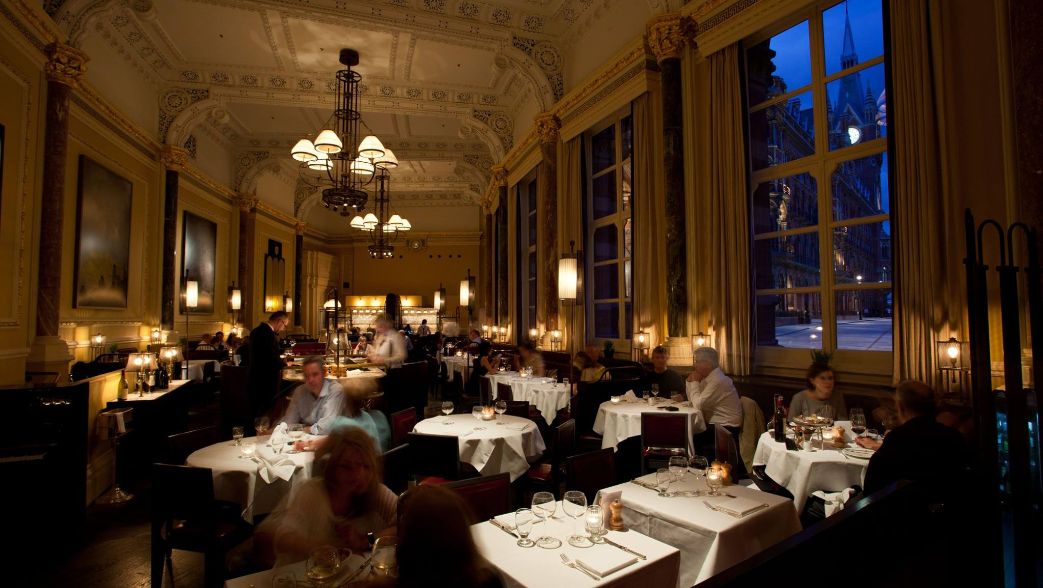 Whether for a business meeting, a romantic meal, or quality time away from the hustle and bustle, The Gilbert Scott should be the first stop. This is a restaurant that lets guests truly relax whilst dining and discussing within sophisticated and intricate surroundings.