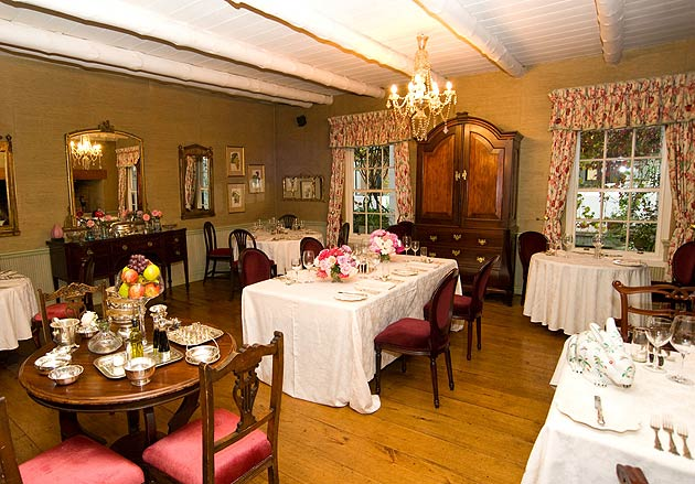 When staying at the Kurland, there are two eateries within the grounds