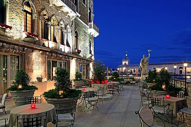 Discovering The Delights Of The Venetian Bauers L'Hotel