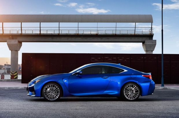 Luxurious Magazine's Editor, Simon Wittenberg, puts the new coupé through its paces on the road and track