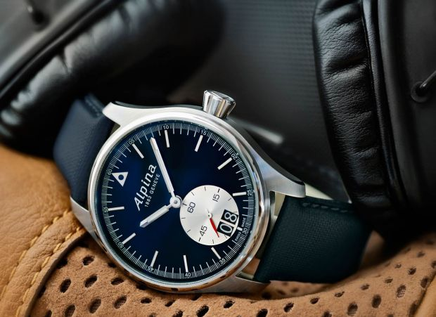 The new Startimer Pilot Big Date professional pilot watches from Alpina